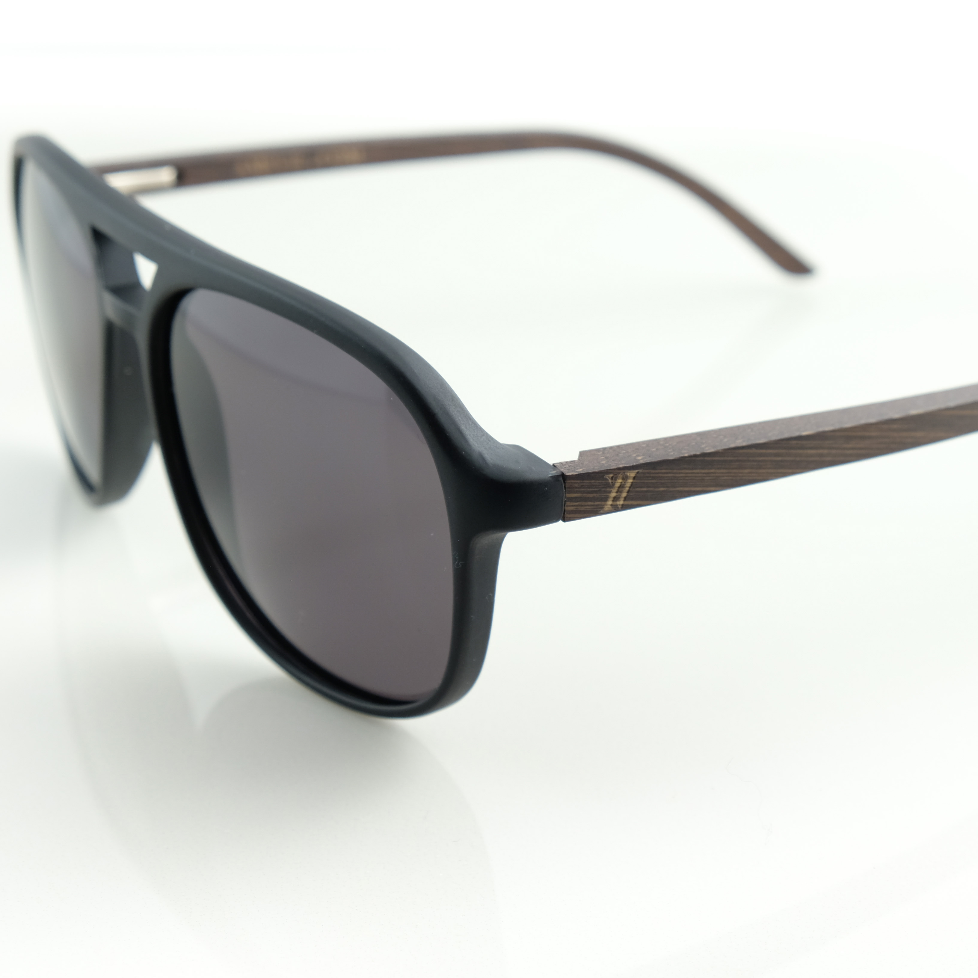 571564774b Bamboo sunglasses for men and women